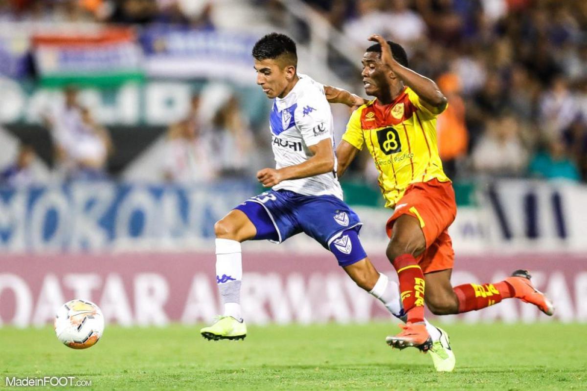Thiago Almada sous les couleurs de Vélez