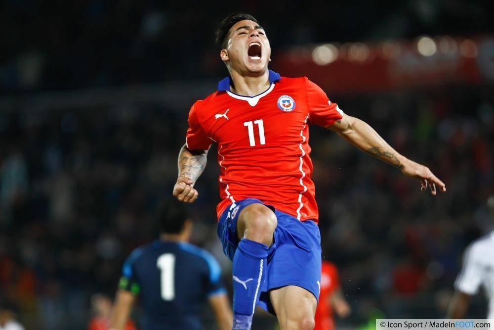 Eduardo Vargas ne serait pas insensible à l'intérêt que lui porte l'Olympique de Marseille