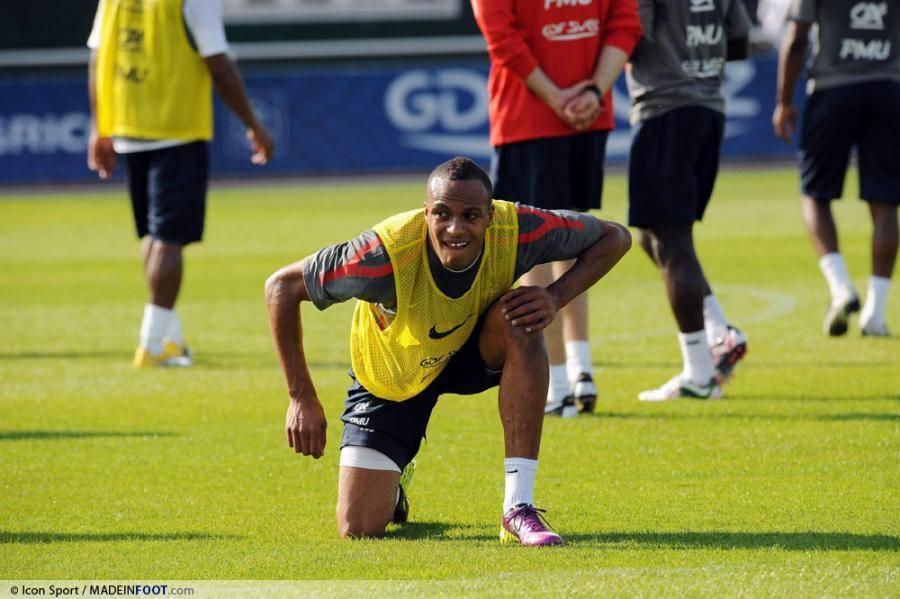 Younes Kaboul, ancien défenseur de Tottenham.