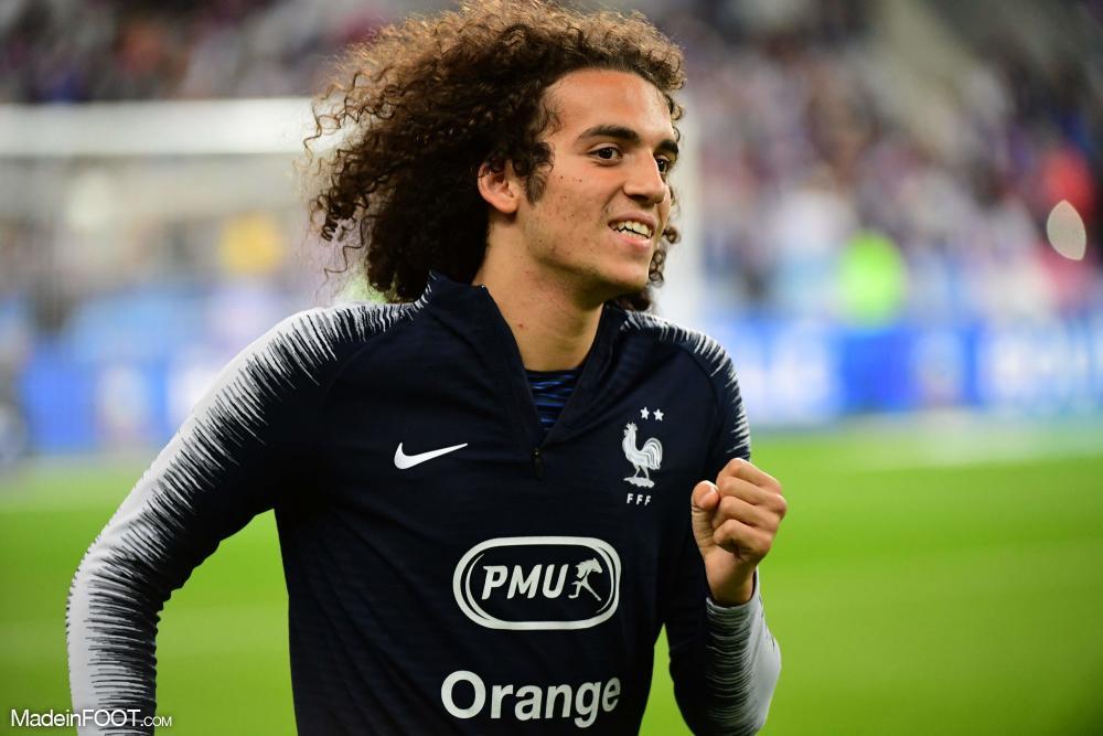 Mattéo Guendouzi en Équipe de France Espoirs.