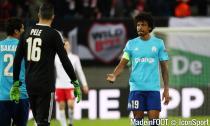 Luiz Gustavo et Pelé (OM)