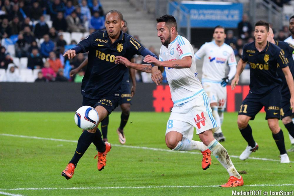 Isla a terminé la rencontre face à Monaco au poste de défenseur central.