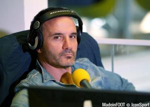 Eric Di Meco compare Kostas Mitroglou à Chris Waddle.