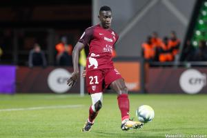 Moussa Niakhaté plaît à l'OM.